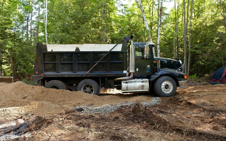 San Jose Cheap Dirt Removal Services - Ethan Logistics